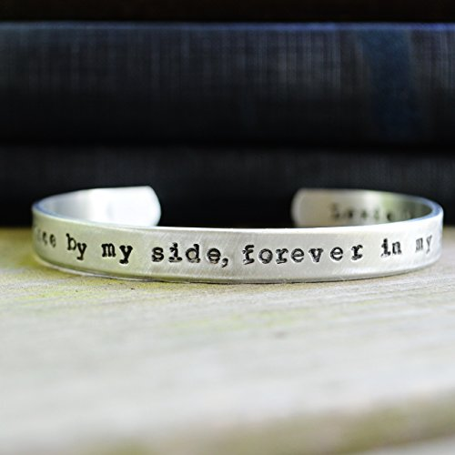 In-Memory-Bracelet-for-Pet-Owners-0