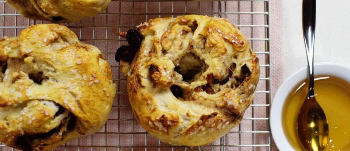Cinnamon-and-Golden-Raisin-Bagels