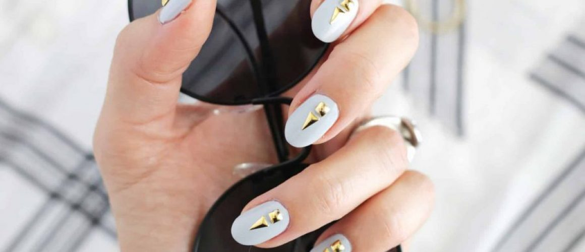 Simple-Grunge-Glam-Manicure-Tutorial-click-through-for-tutorial.-1-2