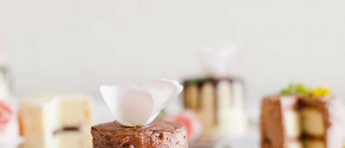 How-to-bake-sheet-pan-mini-cakes-13