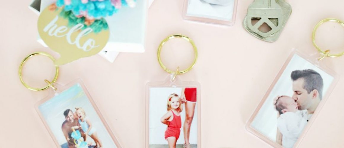Easy-Photo-Keychain-DIY-click-through-for-tutorial-1-1