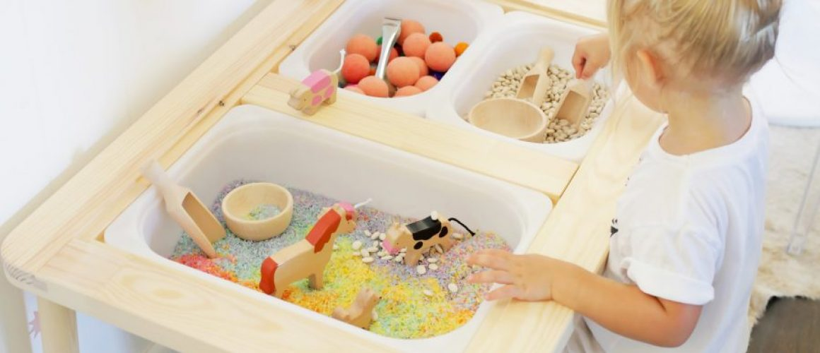 Easy-Sensory-Bin-Table-Setup-for-Kids-click-through-for-tutorial-1-15