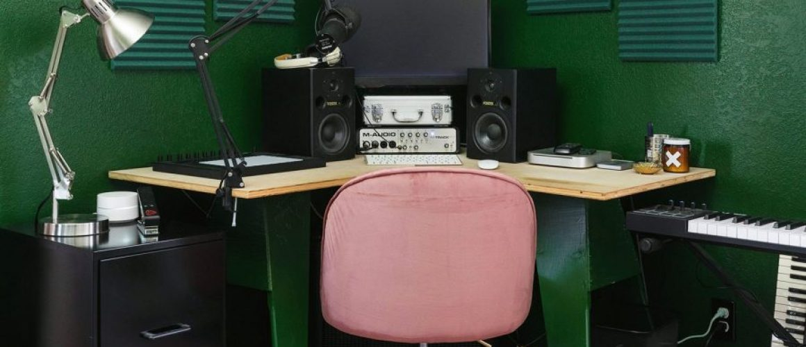pink-and-green-home-music-studio