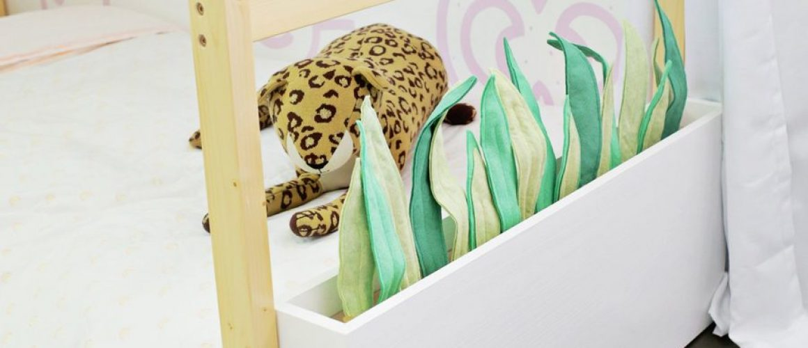 Felt-Planter-Beds-for-Kids-Room-With-Hidden-Toy-Storage-Click-through-for-tutorial-1-14