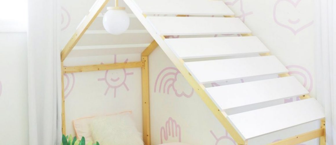 Palm-Springs-House-Bed-Makeover-click-through-for-tutorial-