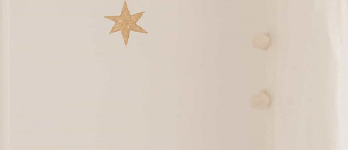 Stamped-Star-Wall-DIY-wallpaper-alternative-