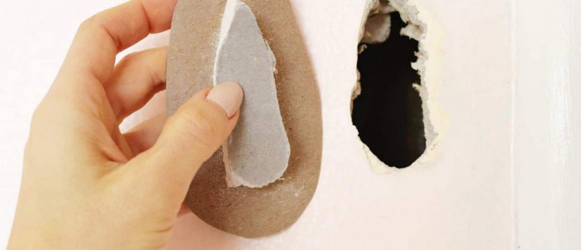 Easy-Hack-To-Patch-A-Drywall-Hole-click-through-for-tutorial.-1-6