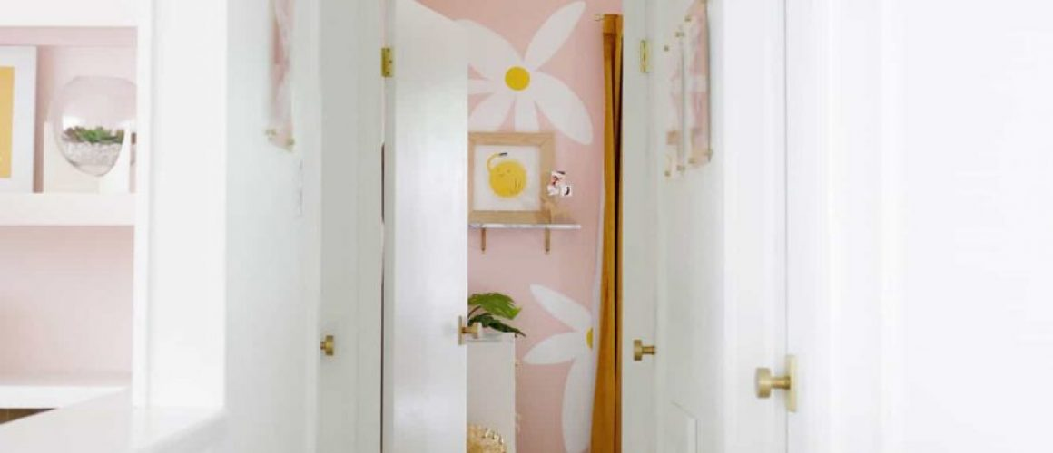 Lauras-Hallway-Before-After-click-through-for-more